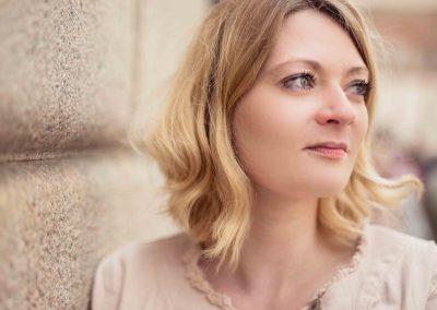Porträt einer romantischen blonden Frau Anna Glad Fotografie