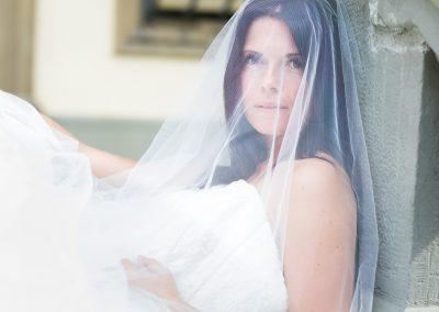 Brautporträt im natürlichen Licht