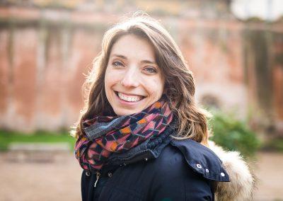 Fotografin Anna Glad Frau Portrait Wintersonne in Rom Italien
