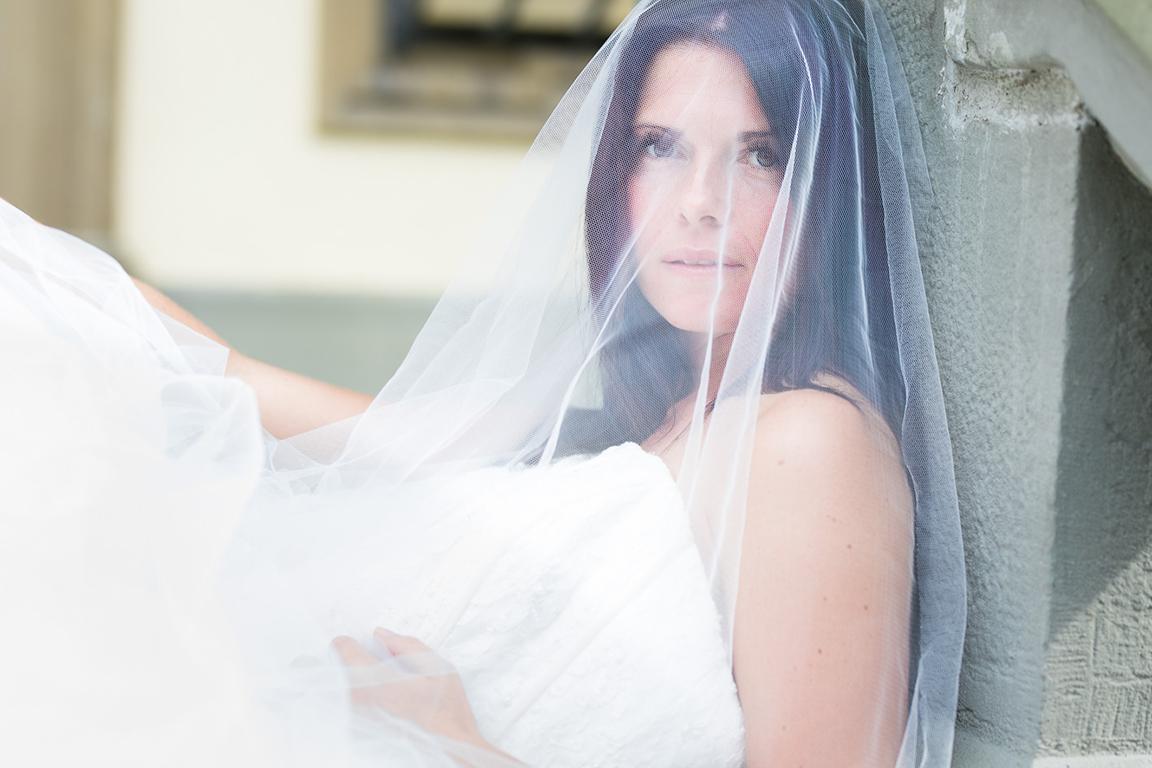 Anna Glad Fotografie Frauenportrait Brautshooting Schleier Überlingen