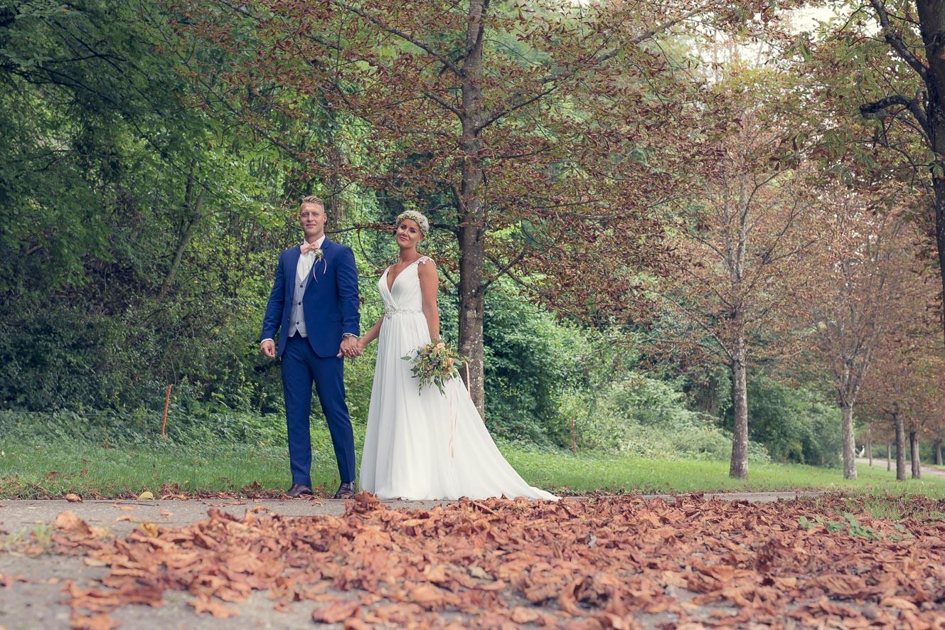 Anna Glad Hochzeitsfotograf Paarshooting Schweiz vintage Hochzeit Herbst